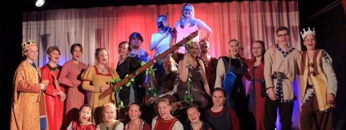 Valeprinsseille Morsian Pilke teatteri Karoliina Kauhanen 1